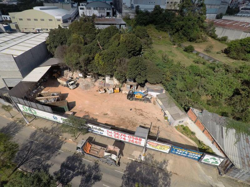 Caçamba entulho construção civil
